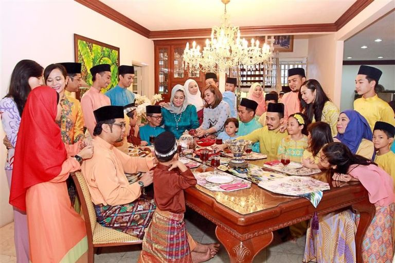 open house malaysia essay Just like the other festivals in malaysia, open houses are also being observed during deepavali which is a great occasion for people of all races and religions to.