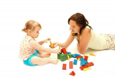 namc montessori comparing montessori and reggio playing with blocks