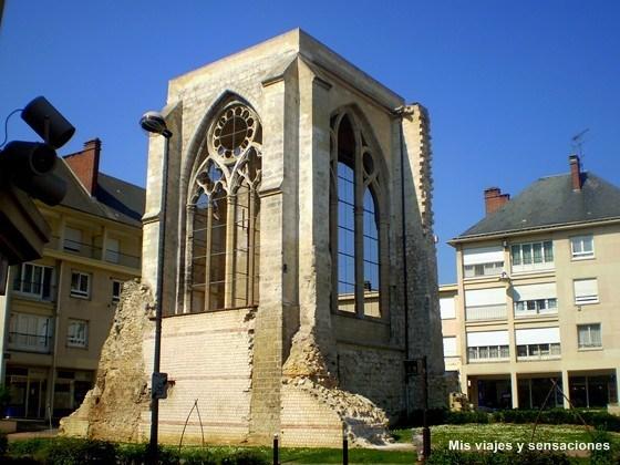 Ruinas de la Colegiata de San Bartolomé, Beauvais, Francia