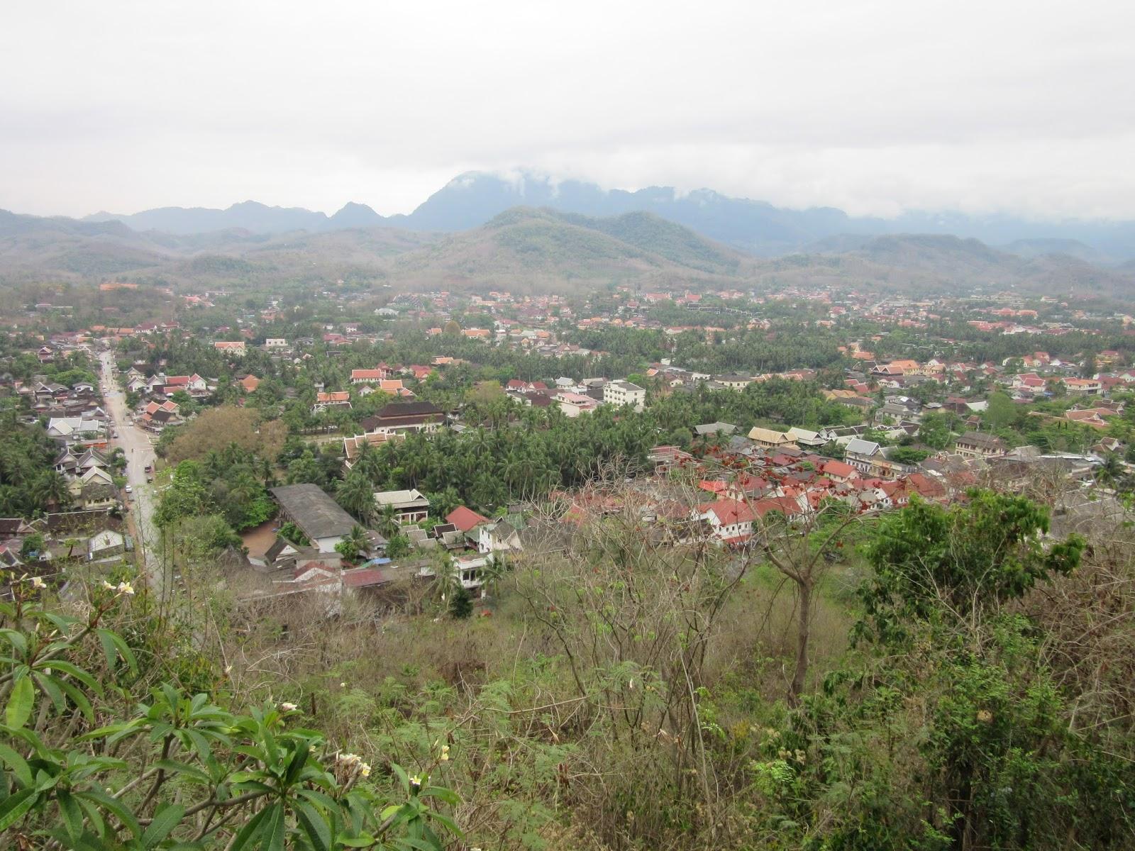 Vistas de Luang Prabang desde el templo That Phu Si, Laos