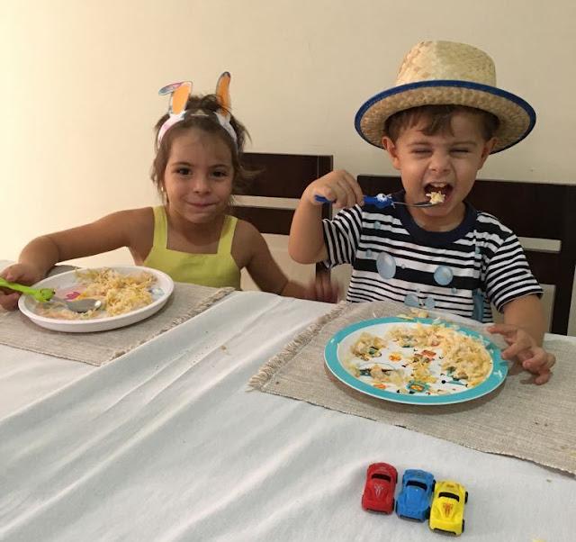 A incrível batalha do almoço das crianças!