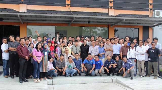 Lowongan Kerja Bagian Receptionist Cab Bandung Raya di PT Surganya Motor Indonesia (Lulusan SMA/SMK/Setara)