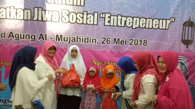 600 Perempuan Datangi Masjid Mujahidin Pamulang