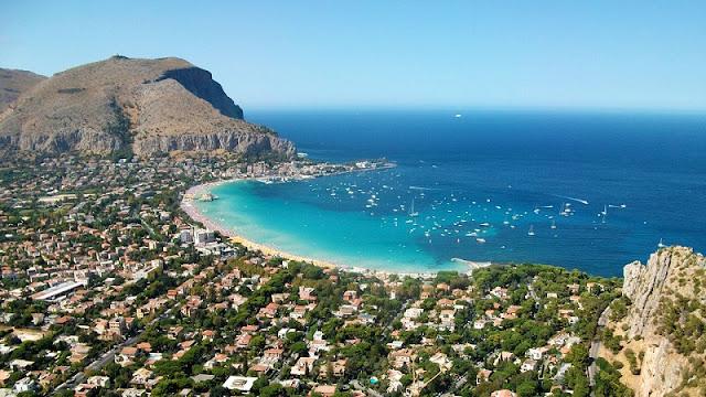 Vista da cidade de Palermo na Itália