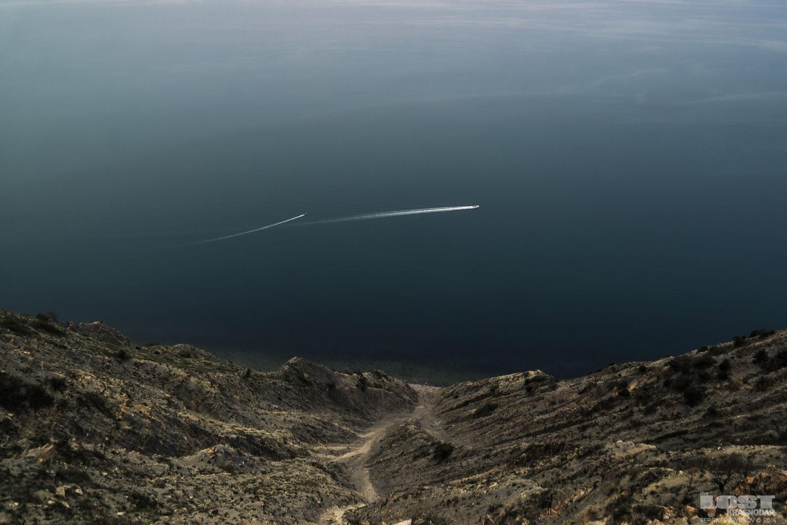 Черное море в апреле