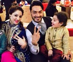 Avinesh Rekhi Family Wife Son Daughter Father Mother Age Height Biography Profile Wedding Photos