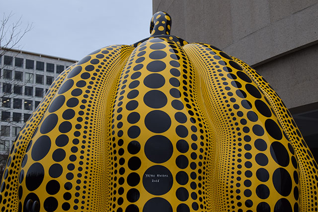 "Hirshhorn Yayoi Kusama's ""Pumpkin""-National Gallery of Art electric blue Hahn/Cock by Katharina Frisch Rooftop-Yayoi Kusama's ""Pumpkin"" DC-Washington DC museums-hirshhorn Museum-National Gallery of Art"