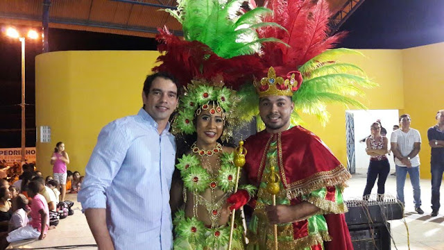 Resultado de imagem para GUSTAVO SOARES E RAINHA DO CARNAVAL