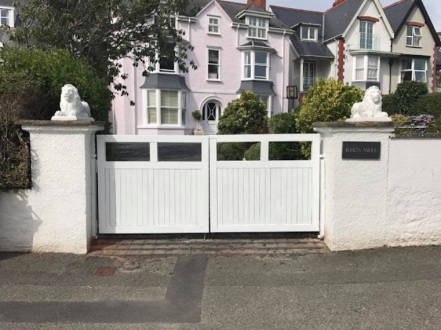 Custom gates Wales