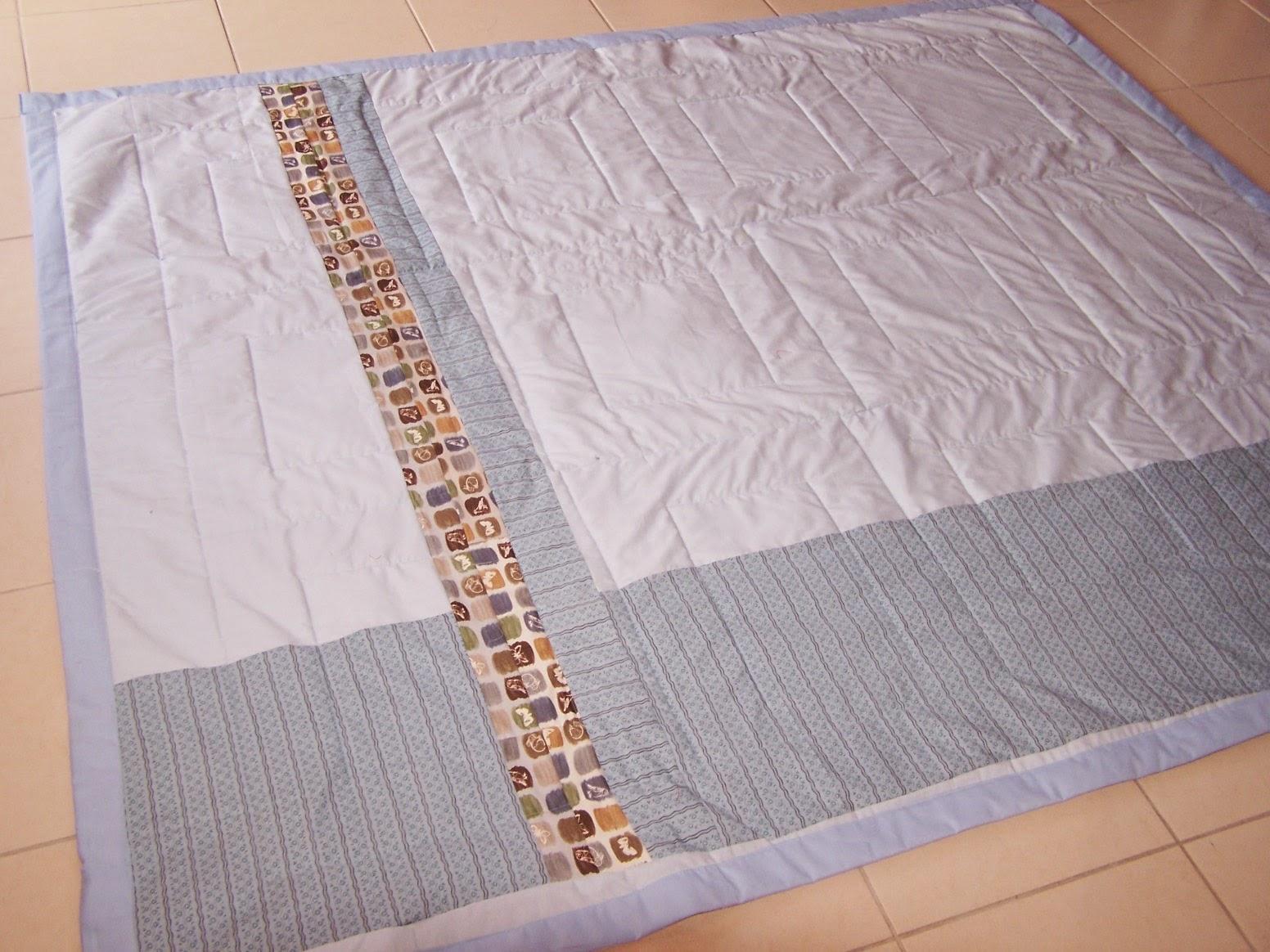 reines des reinettes dessus de lit en patchwork les oiseaux du jardin. Black Bedroom Furniture Sets. Home Design Ideas