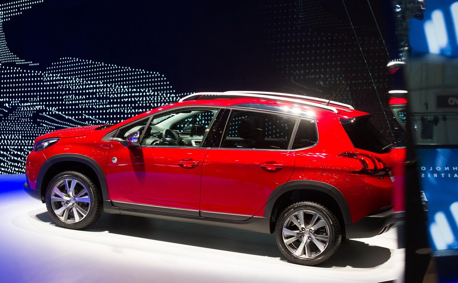 Peugeot 2008 2017 rất phù hợp với gia đình nhỏ & thuận tiện đi trong thành phố