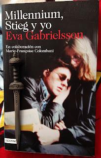 Portada del libro Millennium, Stieg y yo, de Eva Gabrielsson y Marie-Francoise Colombani