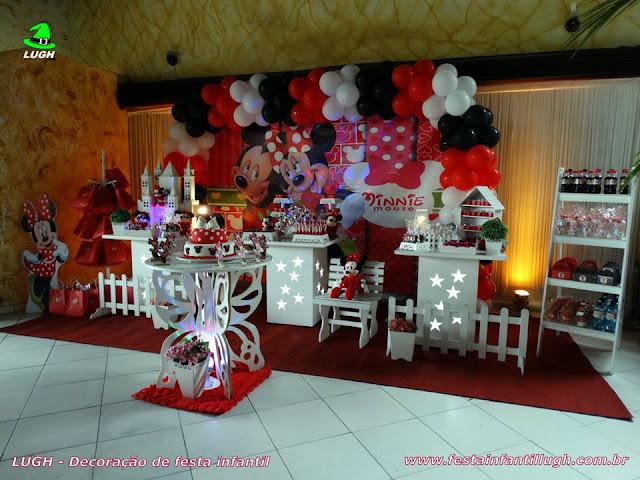 Decoração infantil tema Minnie em mesa provençal