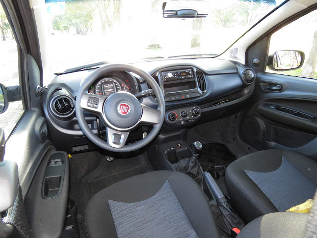 Fiat Uno 2017 Attractive 1.0 - interior