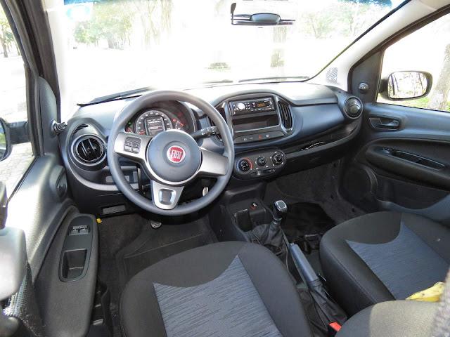 Fiat Uno 2017 Attractive 1.0 - interior