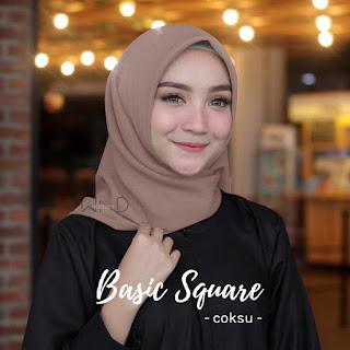 model Basic Square Hijab yang sedang trend