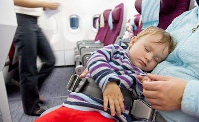 Bebekle Uçak Yolculuğu, Bebek Uçak