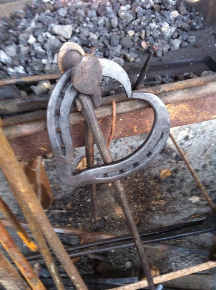things made with horseshoes - photo #25
