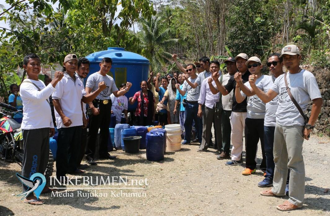 Warga Tugu Terima Bantuan Air Bersih dari Ikaba Polres Kebumen