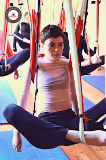 yoga, ayurveda, aeroyoga, yoga aereo, aeropilates, aerial yoga, salud, wellness, ejercicio, belleza tendencias, cursos, air, aire, aerien, fly, flying, gravity, suspension, anti, age