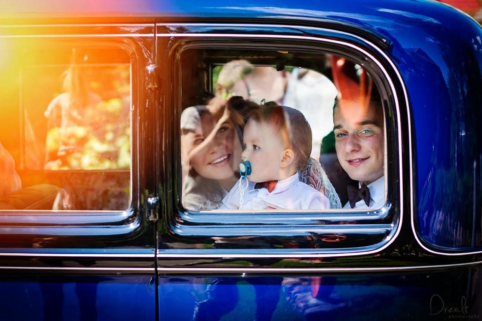 Krikštynų fotosesija. Automobilis