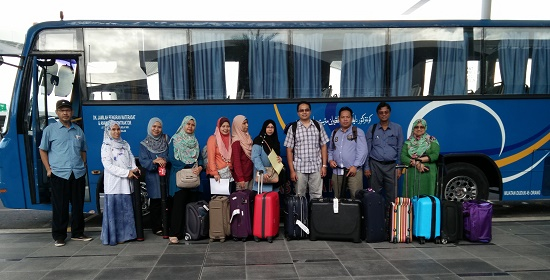 With Fellow Colleagues Before Heading Towards MIB-2015 from the Airport, Brunei