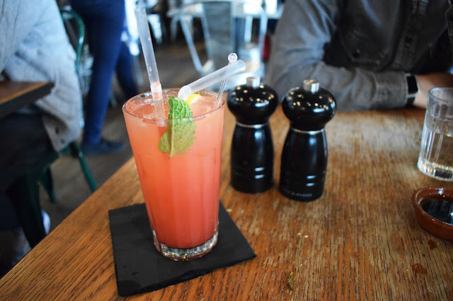 Strawberry Lemonade Jamie's Italian