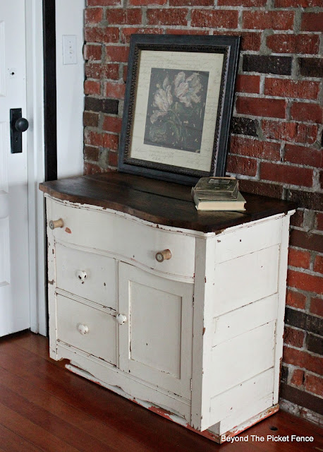commode, small dresser, antique, wooden spools, barnwood, http://bec4-beyondthepicketfence.blogspot.com/2016/03/charming-commode.html