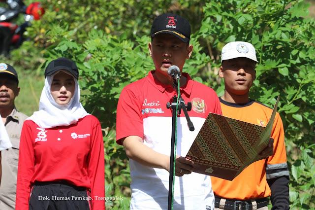 Sambut Hari Kemerdekaan, Bendera Merah Putih Raksasa Dibentangkan di Tebing Sepikul