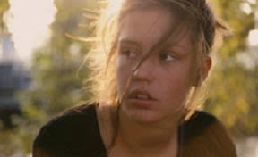 Imagen de la actriz protagonista, Adèle Exchapoulos