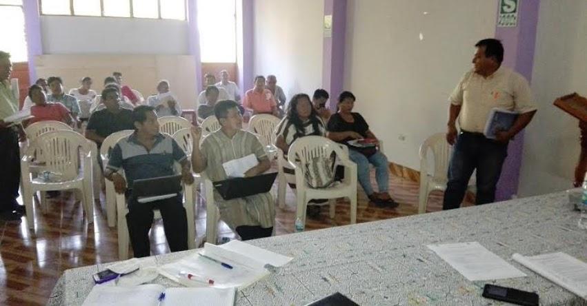 Director de la UGEL Atalaya expone ante dirigentes magisteriales y líderes indígenas el desarrollo del proceso de contratación docentes año escolar 2017