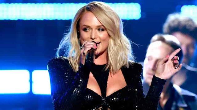 Miranda Lambert shades ex Blake Shelton on stage at the ACMs