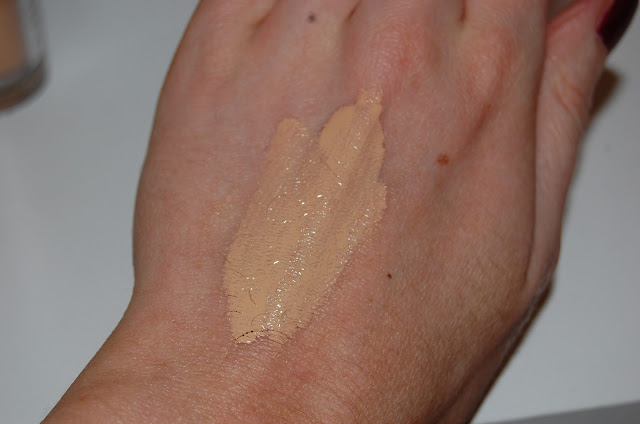 Urban Decay Naked Weightless Ultra Definition Foundation