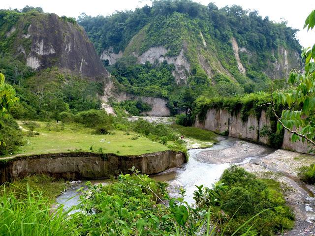 Keindahan Nusantara Ngarai Sianok di Bukittinggi