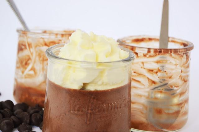 Mousse au chocolat à la chantilly tonka pot la fermière