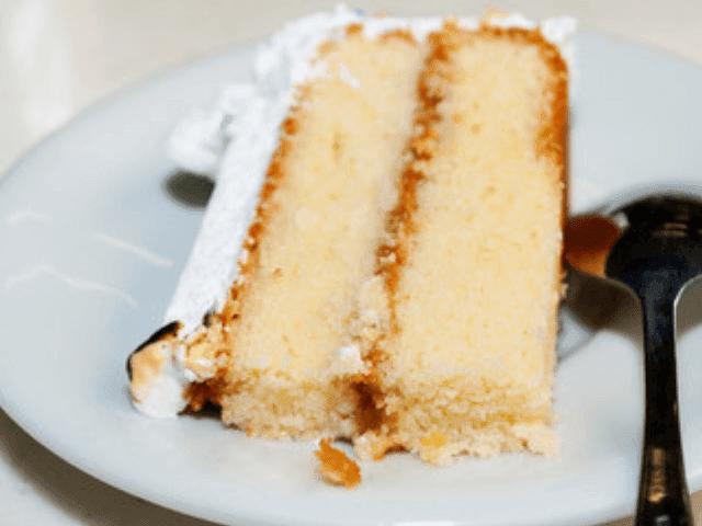bolo recheado com doce de leite