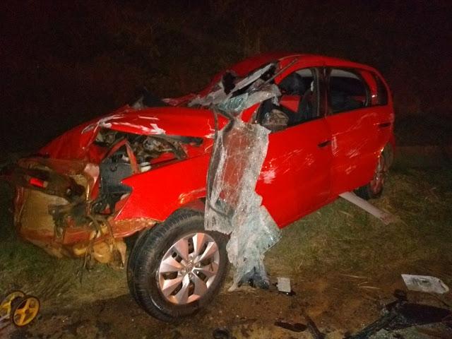 Veículo colide na carroça de um trato em Nova Mamoré - RO.