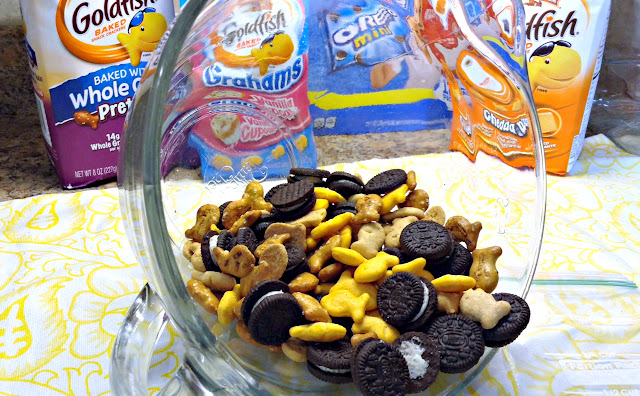 Mixing School of Goldfish #BacktoSchoolSimple Snack Mix