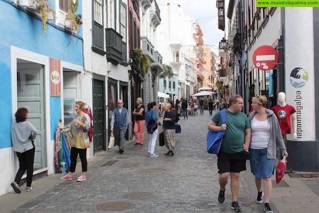 El horario de bares, cafeterías y establecimientos de restauración de Santa Cruz de La Palma se amplía una hora hasta septiembre
