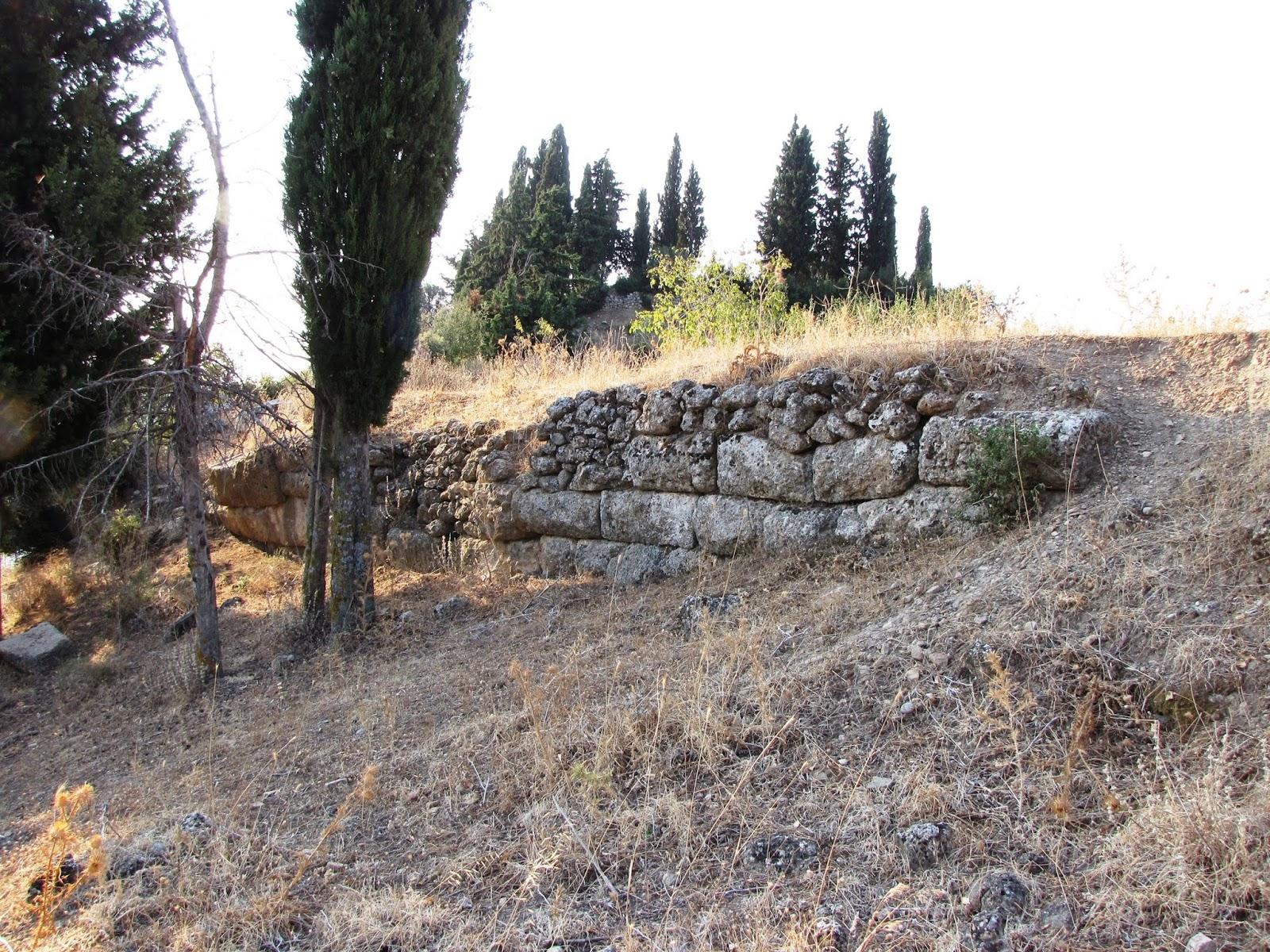 Η Αρχαία  Τιτάνη και το Ασκληπιείο της από τον Γεώργιο Λόη