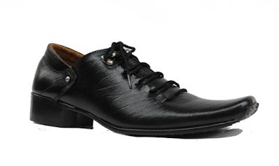 Alasan Mengapa Sepatu Yongki Komaladi Banyak Dicari