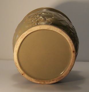 pottery jardinière has a glossy green finish -bottom view-793 x 818-jpg.JPG