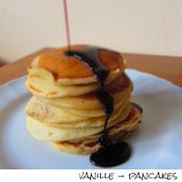 http://inaisst.blogspot.de/2013/05/vanille-pancakes-mit-heidelbeersirup.html