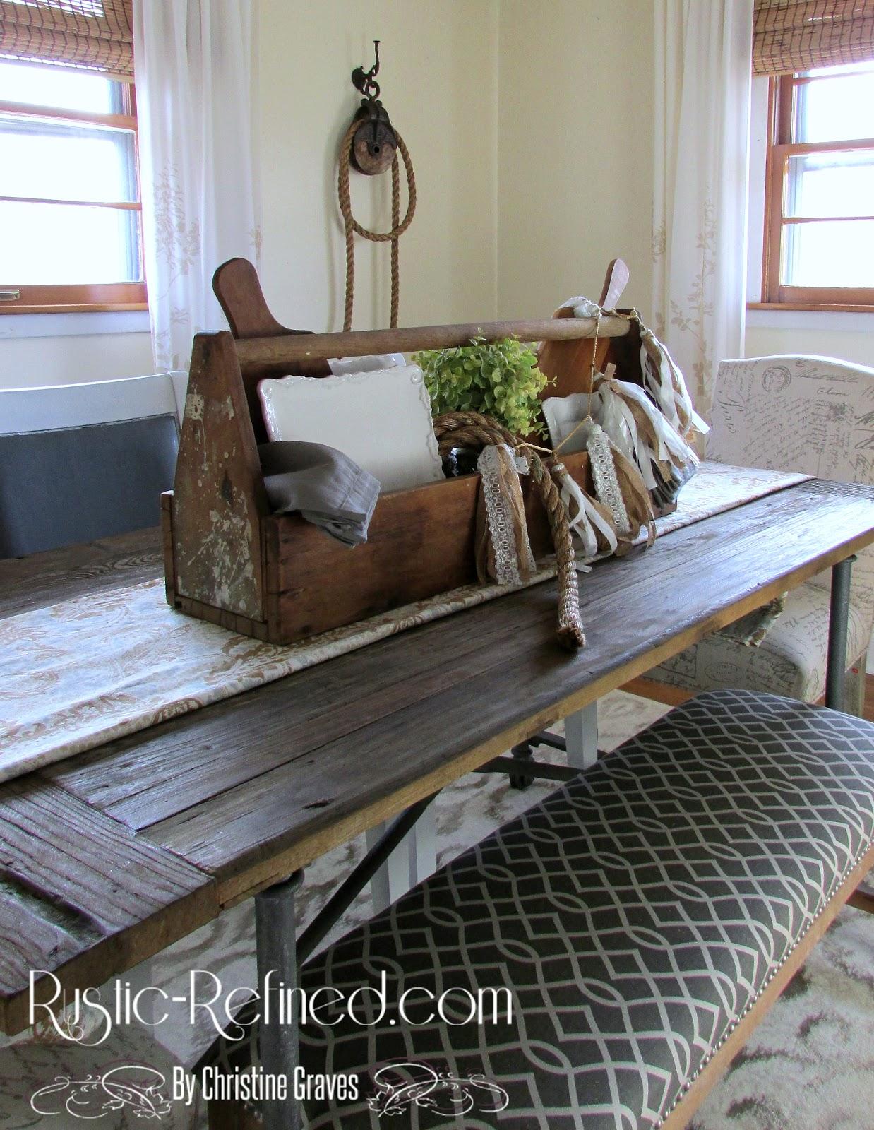 Rustic Farmhouse Table Centerpiece