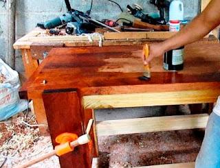 Pintar el banco de carpintero