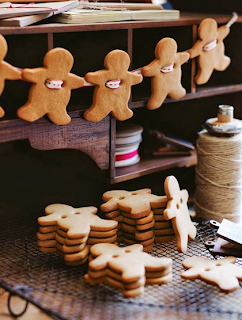 https://www.donnahay.com.au/recipes/desserts-and-baking/gingerbread-men-garland