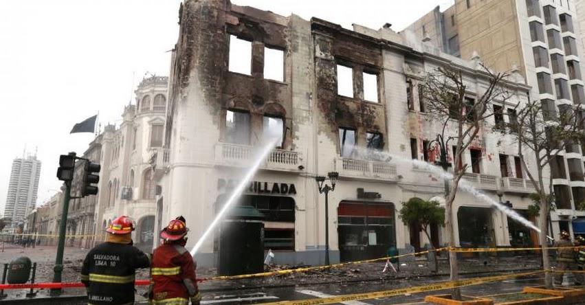 INCENDIO EN EL CENTRO DE LIMA: Fuego consume edificio histórico en la plaza San Martín (Edificio Giacoletti)