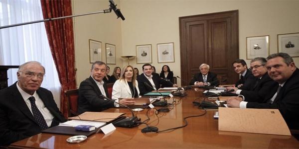 Σενάρια για σύσκεψη πολιτικών αρχηγών μετά το αδιέξοδο στο χρέος