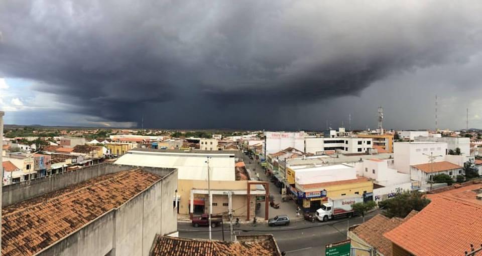 Funceme registra chuvas em 98 municípios cearenses somente na manhã desta sexta-feira