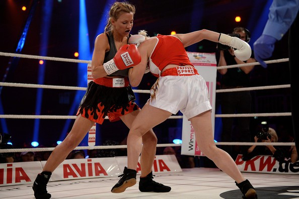 jordan-carver-vs-melanie-muller-boxing-fight-8